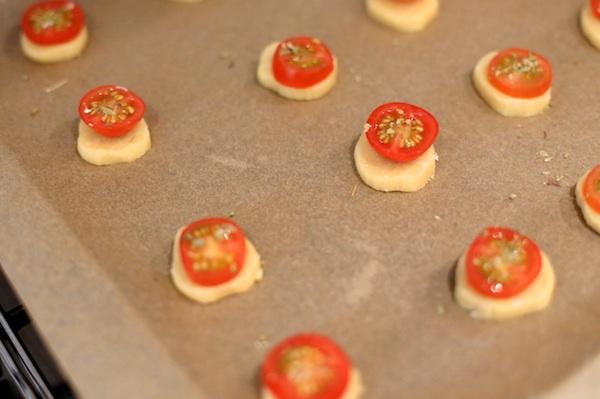 tomato scones pre-baked